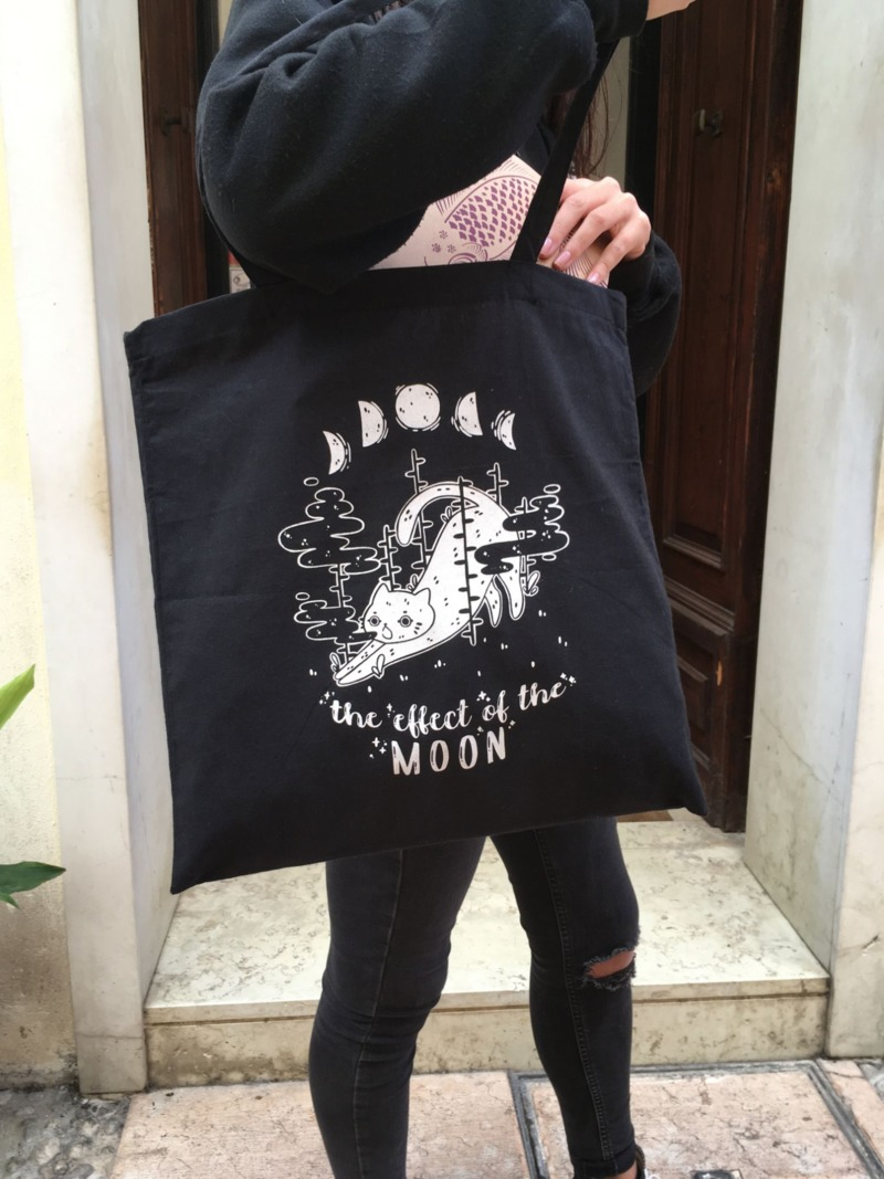 the-effect-of-the-moon-red-panda-black-shopper
